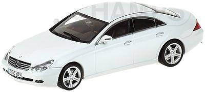 """Mercedes Clase CLS """"White Edition"""" -W219- (2005) Minichamps 1/43"""