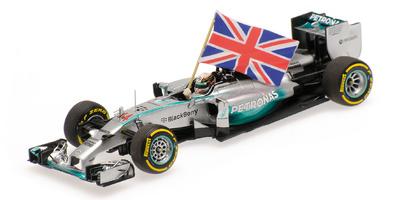"Mercedes W05 ""1º GP. Abu Dhabi"" nº 44 Lewis Hamilton con bandera (2014) Minichamps 1:43"