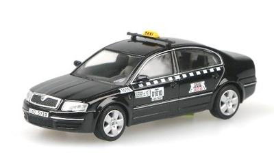"""Skoda Superb """"AAA Taxi"""" Praga (2001) Abrex 1/43"""