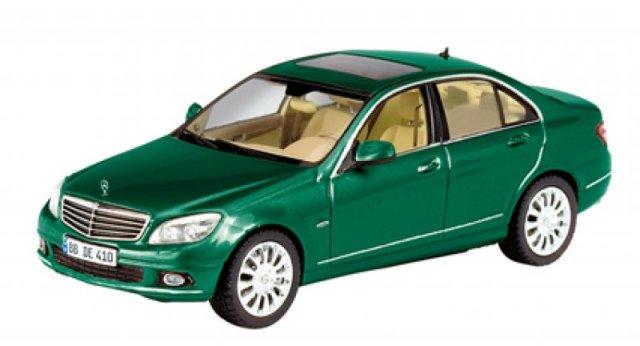 Mercedes Benz Clase C -W204- (2007) Schuco 1/43 Verde Metalizado Elegance