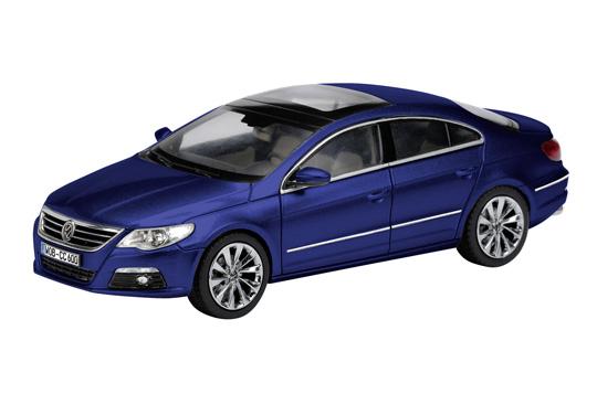Volkswagen Passat Coupé (2008) Schuco 1/43 Azul Metalizado