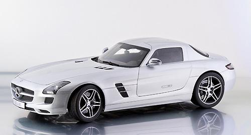 Mercedes Benz SLS AMG (2010) Premium Clasixxs 1/12 Gris Plata