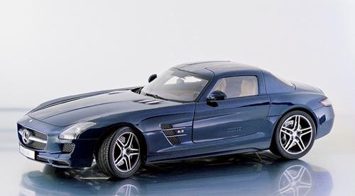 Mercedes Benz SLS AMG (2010) Premium Clasixxs 1/12 Azul Metalizado
