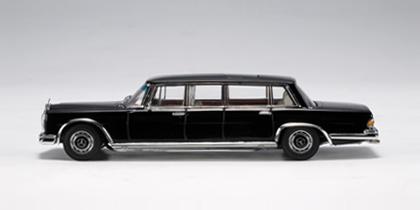 Mercedes 600 LWB -W100- (1964) Autoart 1/43 Negro