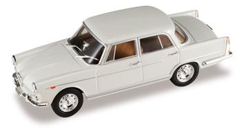 Alfa Romeo 2000 -102- (1957) Starline 55031 1/43 Gris Claro