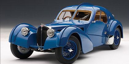 Bugatti 57 SC Atlantic (1938) Autoart 1/18 Azul Llantas Azules