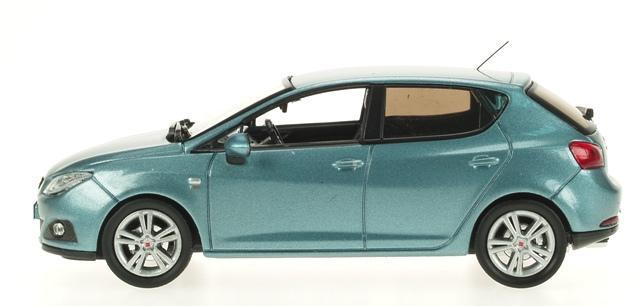 Seat Ibiza 5p. Serie IV (2008) Ixo 1/43 Azul Metalizado