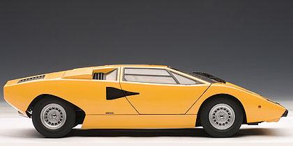 Lamborghini Countach LP400 (1974) Autoart 1/18 Amarillo