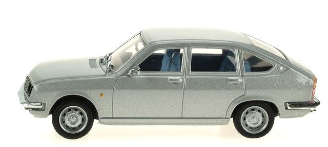 Lancia Beta Berlina (1972) Pego 1/43 Gris Metalizado