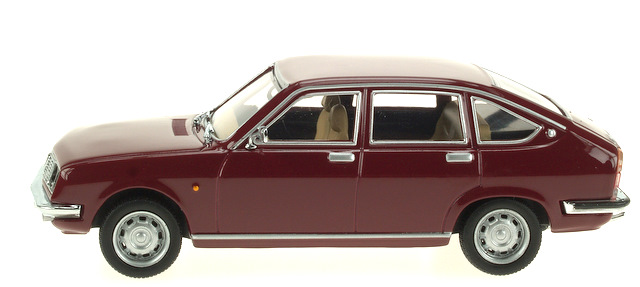 Lancia Beta Berlina (1972) Pego 1/43 Granate