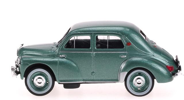 Renault 4CV (1954) RBA Entrega 26 1:43 Verde Metalizado