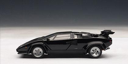 Lamborghini Countach 5000 S (1982) Autoart 1/43 Negro