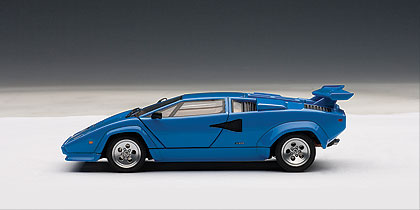 Lamborghini Countach 5000 S (1982) Autoart 1/43 Azul
