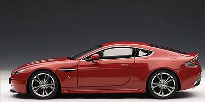 Aston Martin V12 Vantage (2010) Autoart 1/18 Rojo