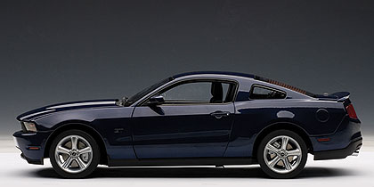 Ford Mustang GT (2010) Autoart 1/18 Azul Osc. Metalizado