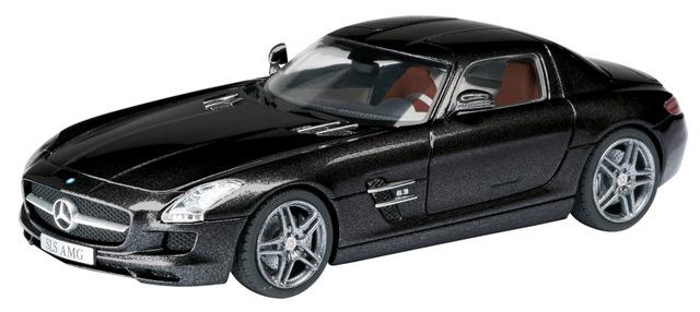 Mercedes Benz SLS AMG C197 (2010) Schuco 1/43 Negro Carbón Metalizado