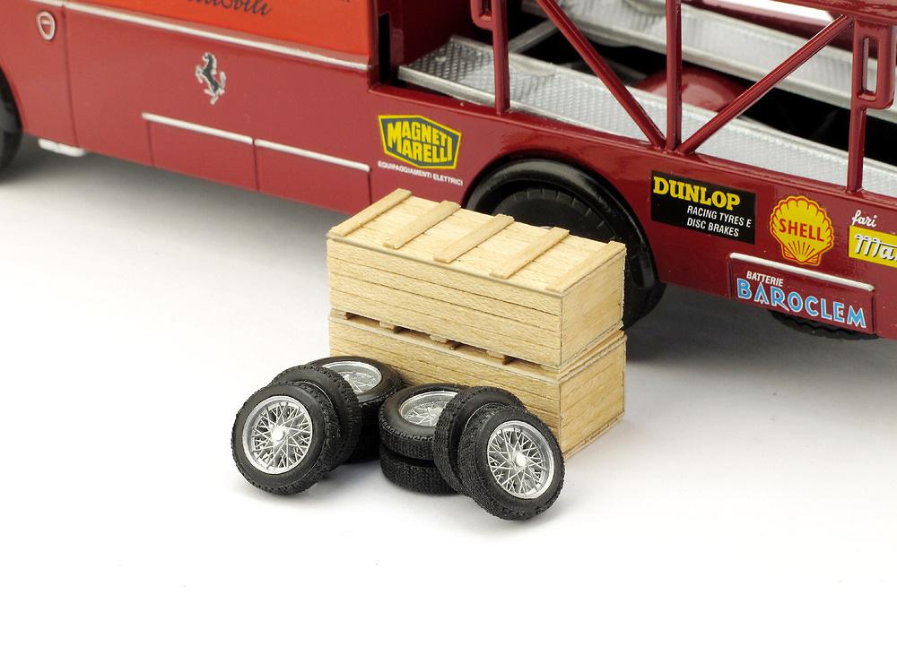 2 cajas con 2 juegos neumáticos Ferrari F156 (1961) Brumm F085 1/43
