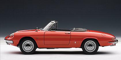 Alfa Romeo 1600 Duetto (1966) Autoart 70137 1/18