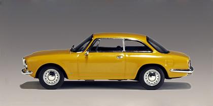 Alfa Romeo 1750 GTV (1967) Autoart 50102 1/43