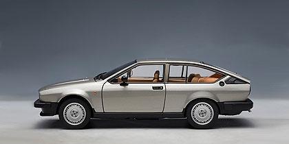 Alfa Romeo Alfetta GTV 2.0 (1980) Autoart 70147 1/18