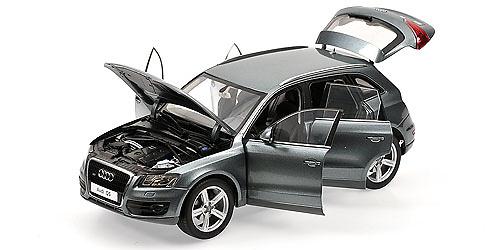 Audi Q5 (2008) Kyosho 09241 1/18 Gris Cuarzo Metalizado