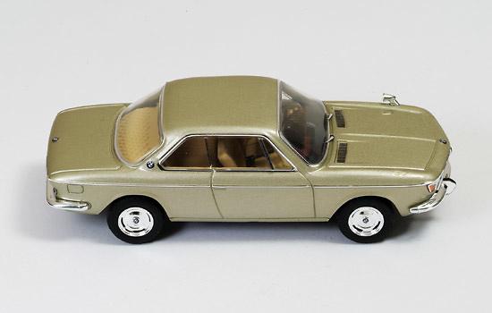 BMW 2000 CS (1966) Ixo CLC256 1:43