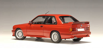 BMW M3 Evolution Sport -E30- (1990) Autoart 70561 1:18