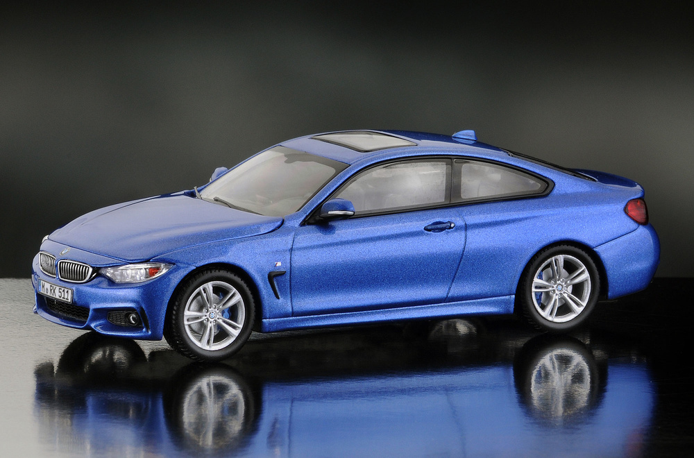 BMW Serie 4 -F32- Coupé (2014) iScale 43-0006BL 1/43