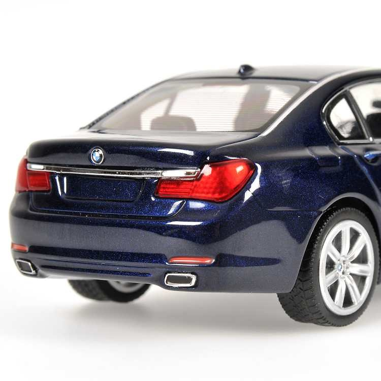 BMW Serie 7 -F02- (2008) Minichamps 431027001 1/43