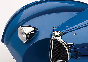 Bugatti 57SC Atlantic (1938) Autoart 70943 1/18