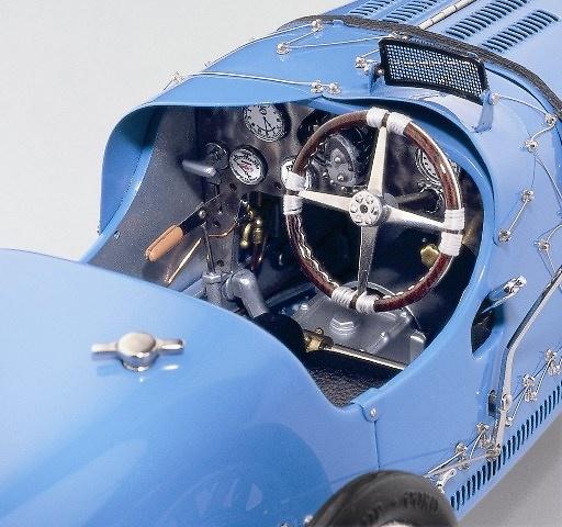 Bugatti Tipo 35 (1924) CMC M063 1/18