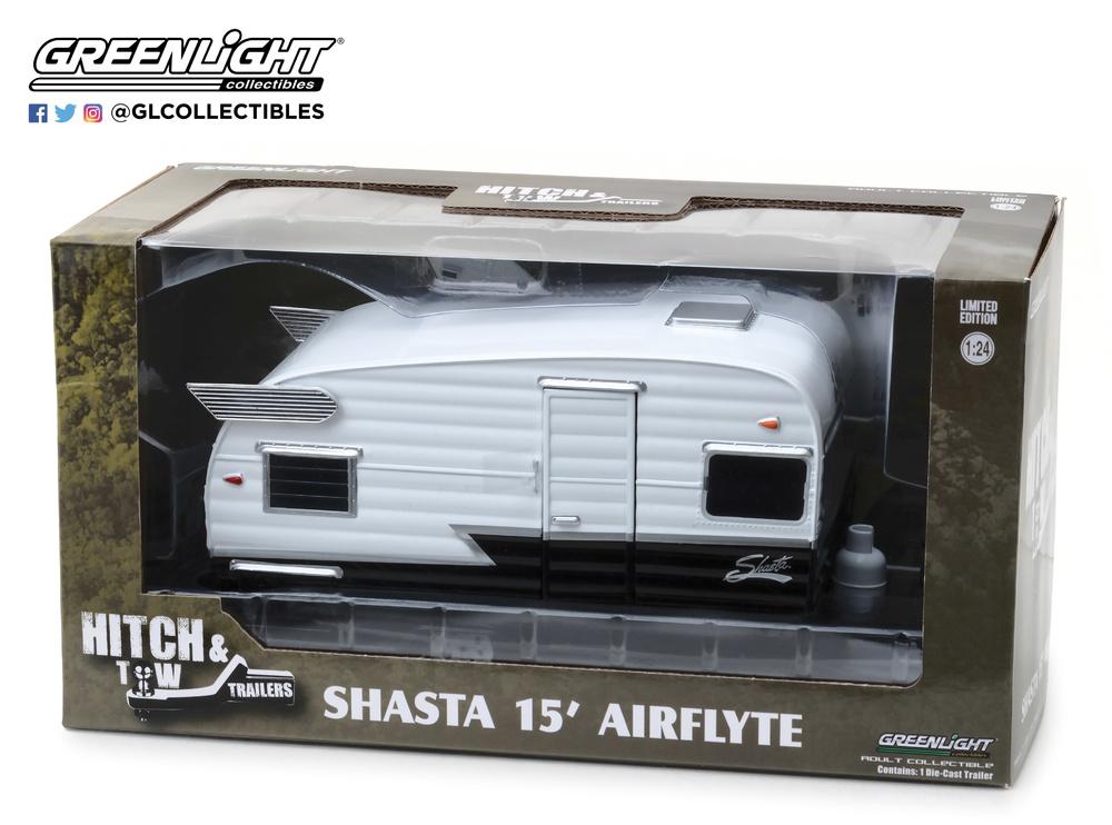 Caravana Shasta 15' Airflyte () Greenlight 18440B 1/24