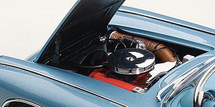 Chevrolet Corvette (1958) Autoart 71146 1:18