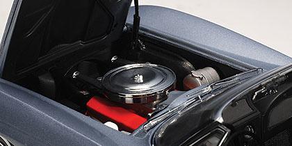 Chevrolet Corvette Convertible (1963) Autoart 71192 1:18