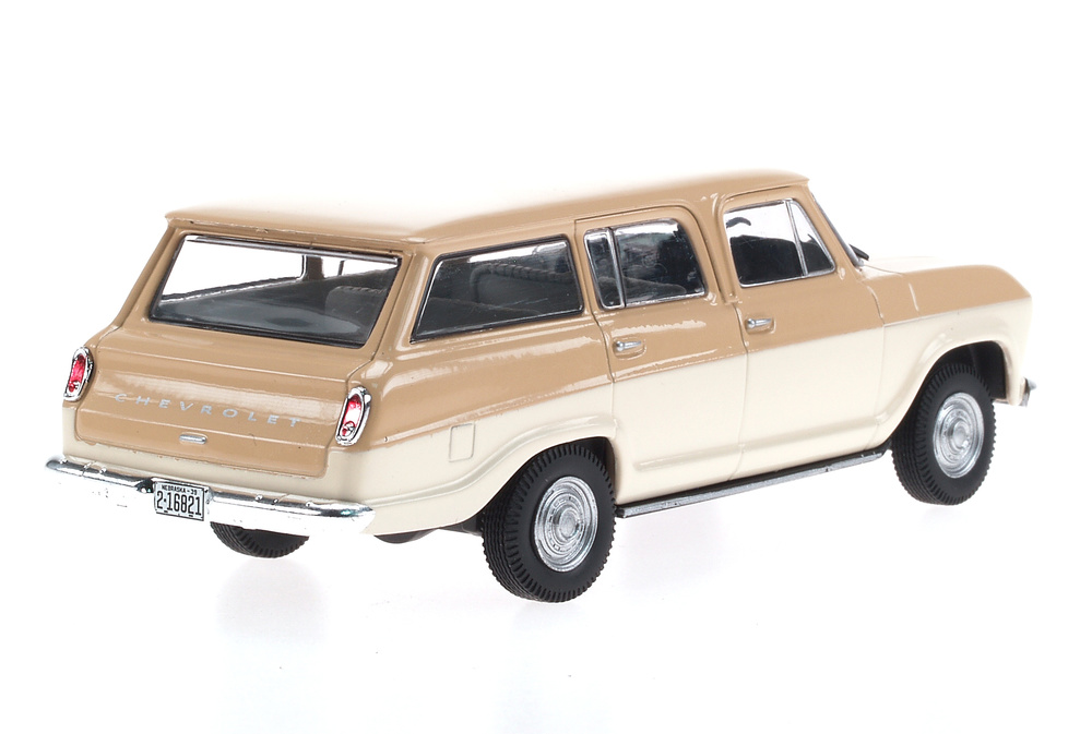 Chevrolet Veraneio (1965) White Box WB094 1:43