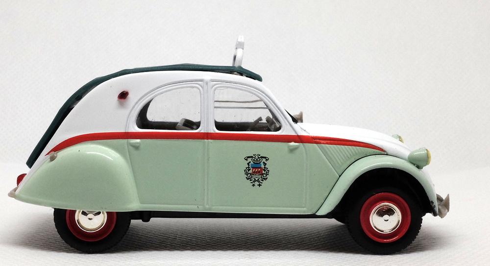 Citroen 2CV AZL Taxi de París (1957) Norev-Hachette 409521M 1/43