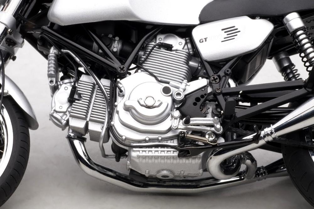 Ducati GT1000 (2006) Autoart 12547 1/12