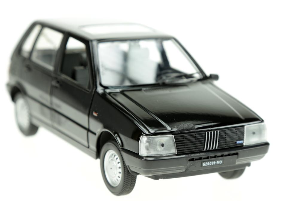 Fiat Uno 55 S (1983) Atlas AT2415 1:24