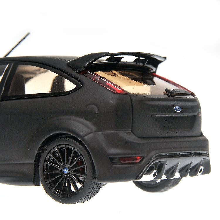 Ford Focus RS 500 (2010) Minichamps 400088106 1/43