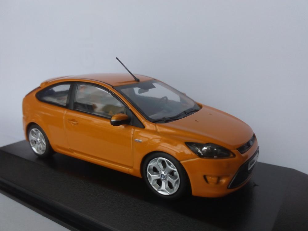 Ford Focus ST (2007) Minichamps 1:43