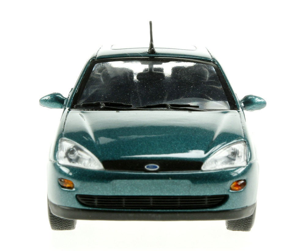 Ford Focus Turnier Serie I (1999) Minichamps 113479 1/43