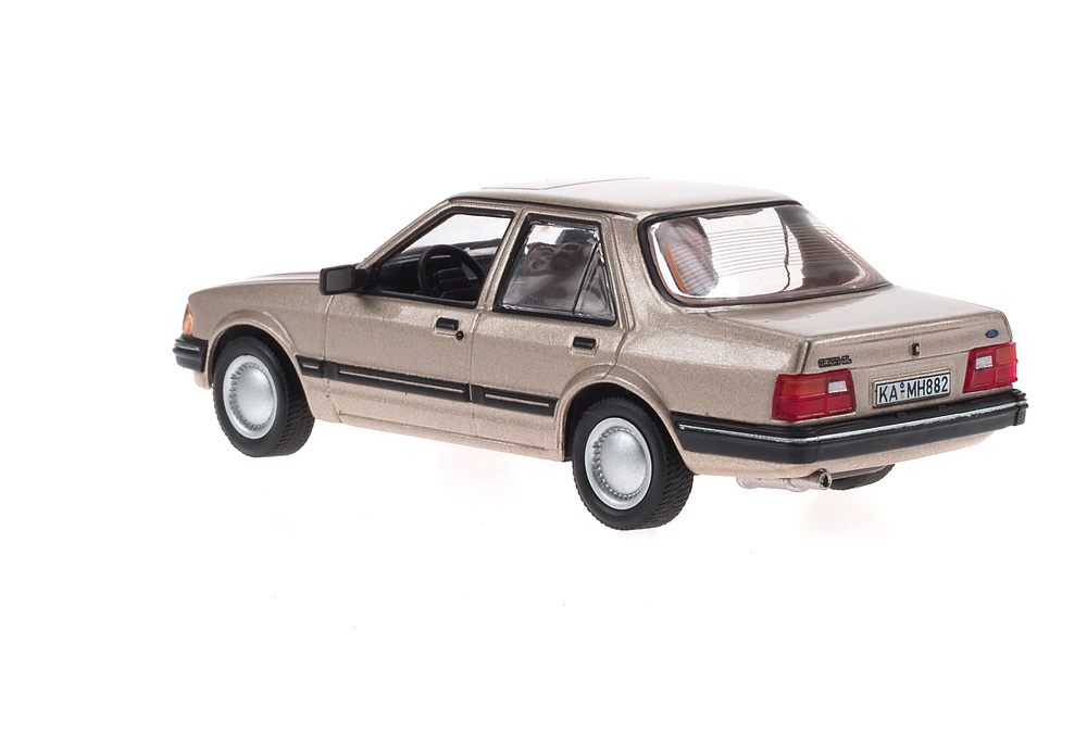 Ford Orion GL (1983) White Box WB079 1:43