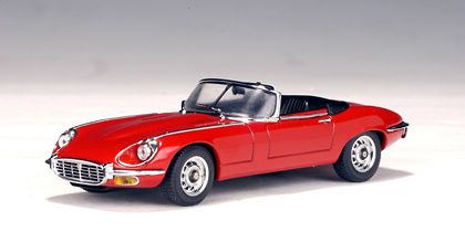Jaguar E-Type Roadster V12 Serie III (1971) Autoart 53773 1/43