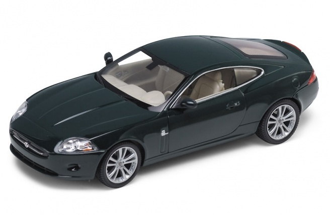 Jaguar XK Coupé (2006) Welly 22470 1:24