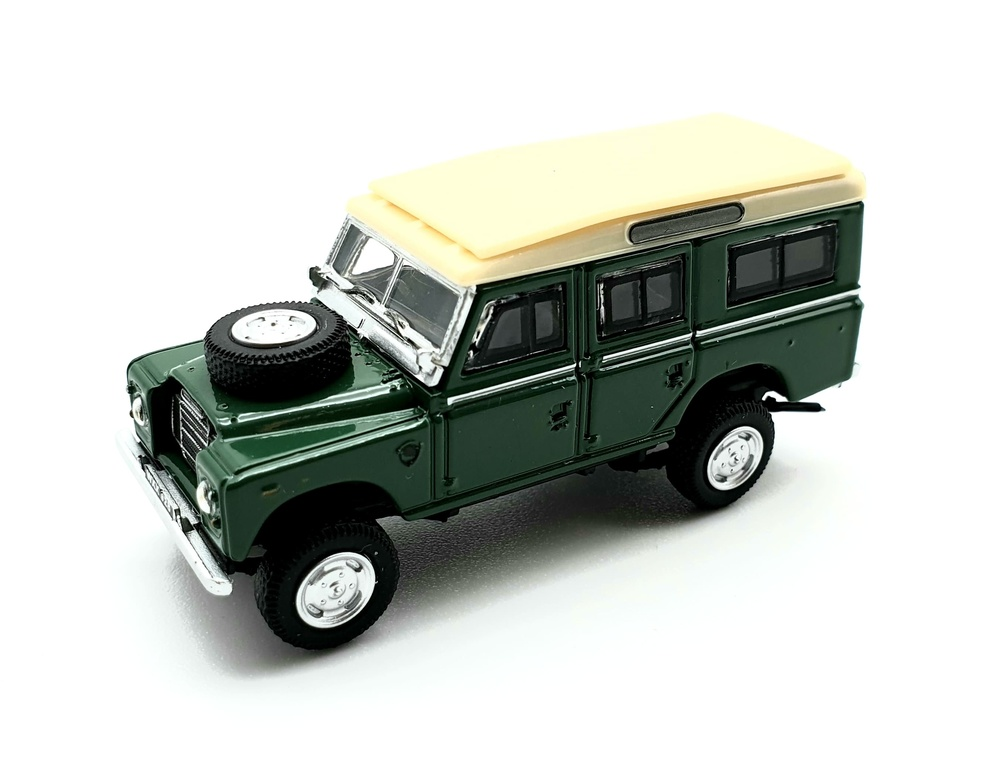 Land Rover 109 Serie 3 Pick-Up (1971) Cararama 52241 1/72
