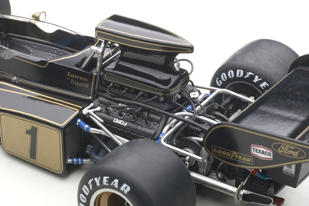 Lotus 72E nº 1 Emerson Fittipaldi (1973) Autoart 87327 1/18
