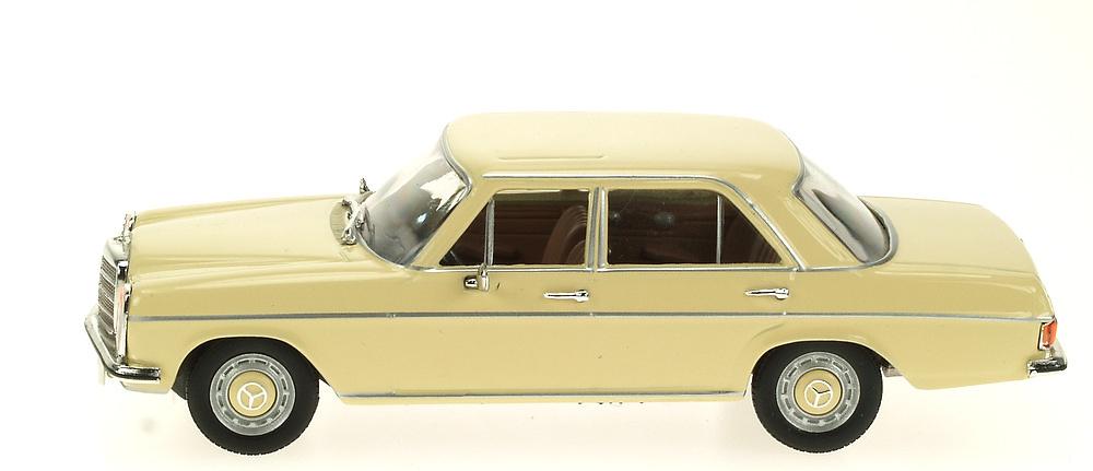 Mercedes 200/8 -W115- (1968) White Box 186660 1:43