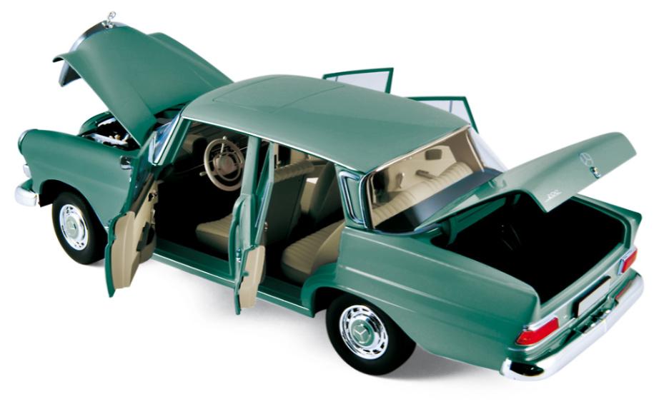 Mercedes Benz 200 (1966) Norev 183577 1:18