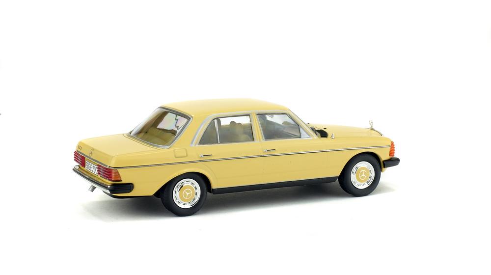 Mercedes Benz 200D W123 (1976) Solido S4301600 1/43