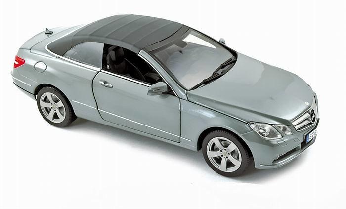 Mercedes Benz E500 Cabrio -C207- (2010) Norev 183541 1/18